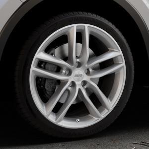 BBS SX brillantsilber Felge mit Reifen in 19Zoll Winterfelge Alufelge auf silbernem Toyota C-HR Typ AX1T(EU,M) AX1T(EU,M)-TMG ⬇️ mit 15mm Tieferlegung ⬇️ Industriehalle 1 Thumbnail