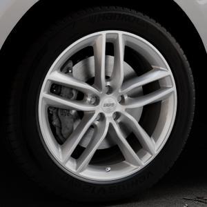 BBS SX brillantsilber Felge mit Reifen in 20Zoll Winterfelge Alufelge auf silbernem Jaguar F-Pace Typ DC ⬇️ mit 15mm Tieferlegung ⬇️ Industriehalle 1 Thumbnail