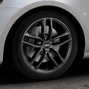 BBS SX kristall-schwarz Felge mit Reifen in 17Zoll Winterfelge Alufelge auf silbernem Volkswagen (VW) Golf 7 ⬇️ mit 15mm Tieferlegung ⬇️ Industriehalle 1 Thumbnail
