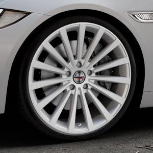 Borbet BLX brilliant silver Felge mit Reifen silber in 20Zoll Winterfelge Alufelge auf silbernem Jaguar XE Typ JA ⬇️ mit 15mm Tieferlegung ⬇️ Industriehalle 1 Thumbnail