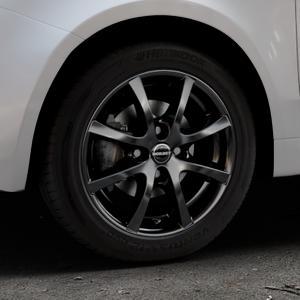 Borbet LV4 black glossy Felge mit Reifen schwarz in 15Zoll Winterfelge Alufelge auf silbernem Fiat 500 Typ 312 Cabrio Facelift ⬇️ mit 15mm Tieferlegung ⬇️ Industriehalle 1 Thumbnail