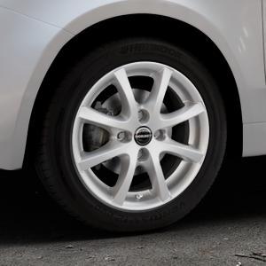 Borbet LV4 crystal silver Felge mit Reifen silber in 15Zoll Winterfelge Alufelge auf silbernem Fiat 500 Typ 312 Cabrio Facelift ⬇️ mit 15mm Tieferlegung ⬇️ Industriehalle 1 Thumbnail