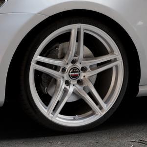 Borbet XRT brilliant silver Felge mit Reifen silber in 19Zoll Winterfelge Alufelge auf silbernem Volkswagen (VW) Golf 7 ⬇️ mit 15mm Tieferlegung ⬇️ Industriehalle 1 Thumbnail