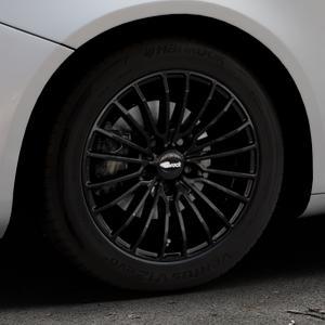 Brock B24 schwarz lackiert Felge mit Reifen in 16Zoll Winterfelge Alufelge auf silbernem Alfa Romeo Giulietta Typ 940 ⬇️ mit 15mm Tieferlegung ⬇️ Industriehalle 1 Thumbnail