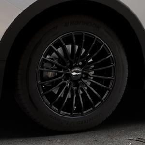 Brock B24 schwarz lackiert Felge mit Reifen in 16Zoll Winterfelge Alufelge auf silbernem Ssangyong Tivoli Typ XK ⬇️ mit 15mm Tieferlegung ⬇️ Industriehalle 1 Thumbnail