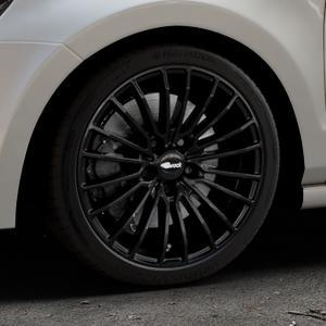 Brock B24 schwarz lackiert Felge mit Reifen in 17Zoll Winterfelge Alufelge auf silbernem Volkswagen (VW) Polo V Typ 6R ⬇️ mit 15mm Tieferlegung ⬇️ Industriehalle 1 Thumbnail