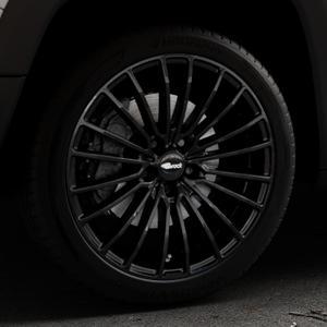 Brock B24 schwarz lackiert Felge mit Reifen in 19Zoll Winterfelge Alufelge auf silbernem Jeep Renegade Typ BU ⬇️ mit 15mm Tieferlegung ⬇️ Industriehalle 1 Thumbnail