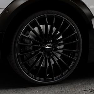 Brock B24 schwarz lackiert Felge mit Reifen in 20Zoll Winterfelge Alufelge auf silbernem Mini F54 Typ UKL-L (Clubman) FMK ⬇️ mit 15mm Tieferlegung ⬇️ Industriehalle 1 Thumbnail