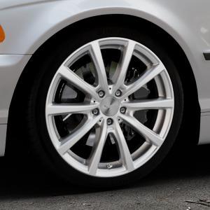 Brock B32 kristallsilber lackiert Felge mit Reifen in 18Zoll Winterfelge Alufelge auf silbernem BMW 316i Typ E46 (Limousine) 318i 320i 323i 328i 325i 330d 330xd 330i 318d 320d 325xi 330xi ⬇️ mit 15mm Tieferlegung ⬇️ Industriehalle 1 Thumbnail