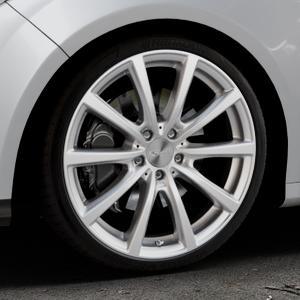 Brock B32 kristallsilber lackiert Felge mit Reifen in 19Zoll Winterfelge Alufelge auf silbernem Ford Focus III Typ DYB (Schrägheck) (Stufenheck) Facelift ⬇️ mit 15mm Tieferlegung ⬇️ Industriehalle 1 Thumbnail