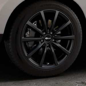 Brock B32 schwarz-matt lackiert Felge mit Reifen in 18Zoll Winterfelge Alufelge auf silbernem Hyundai ix35 Typ EL ELH LM LMFC ⬇️ mit 15mm Tieferlegung ⬇️ Industriehalle 1 Thumbnail