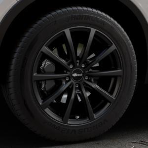 Brock B32 schwarz-matt lackiert Felge mit Reifen in 18Zoll Winterfelge Alufelge auf silbernem Volvo XC40 Typ X ⬇️ mit 15mm Tieferlegung ⬇️ Industriehalle 1 Thumbnail