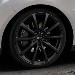 Brock B32 schwarz-matt lackiert Felge mit Reifen in 19Zoll Winterfelge Alufelge auf silbernem Ford Focus III Typ DYB Facelift (Turnier) ⬇️ mit 15mm Tieferlegung ⬇️ Industriehalle 1 Thumbnail