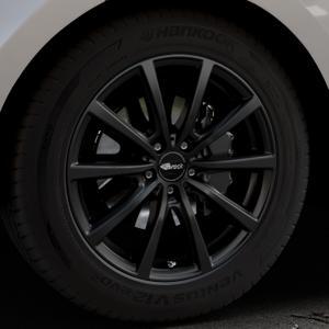Brock B32 schwarz-matt lackiert Felge mit Reifen in 19Zoll Winterfelge Alufelge auf silbernem Land Rover Range Velar Typ LY ⬇️ mit 15mm Tieferlegung ⬇️ Industriehalle 1 Thumbnail