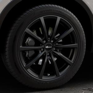 Brock B32 schwarz-matt lackiert Felge mit Reifen in 19Zoll Winterfelge Alufelge auf silbernem Volvo XC40 Typ X ⬇️ mit 15mm Tieferlegung ⬇️ Industriehalle 1 Thumbnail