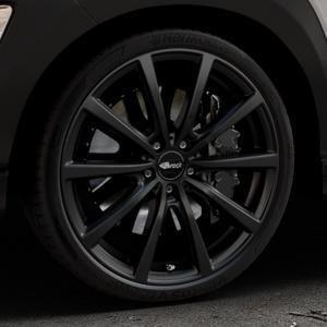 Brock B32 schwarz-matt lackiert Felge mit Reifen in 20Zoll Winterfelge Alufelge auf silbernem Hyundai Kona Typ OS ⬇️ mit 15mm Tieferlegung ⬇️ Industriehalle 1 Thumbnail