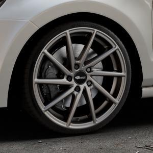 Brock B37 dark-sparkle lackiert Felge mit Reifen grau in 18Zoll Winterfelge Alufelge auf silbernem Volkswagen (VW) Polo V Typ 6R ⬇️ mit 15mm Tieferlegung ⬇️ Industriehalle 1 Thumbnail