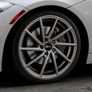Brock B37 dark-sparkle lackiert Felge mit Reifen grau in 19Zoll Winterfelge Alufelge auf silbernem BMW Z4 Roadster Typ E89 (Z89, ZR) ⬇️ mit 15mm Tieferlegung ⬇️ Industriehalle 1 Thumbnail