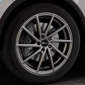 Brock B37 dark-sparkle lackiert Felge mit Reifen grau in 20Zoll Winterfelge Alufelge auf silbernem Volkswagen (VW) Touareg II Typ 7P Facelift ⬇️ mit 15mm Tieferlegung ⬇️ Industriehalle 1 Thumbnail