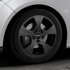 CARMANI 11 Rush black matt Felge mit Reifen schwarz in 16Zoll Winterfelge Alufelge auf silbernem Ford Focus III Typ DYB (Schrägheck) (Stufenheck) Facelift ⬇️ mit 15mm Tieferlegung ⬇️ Industriehalle 1 Thumbnail