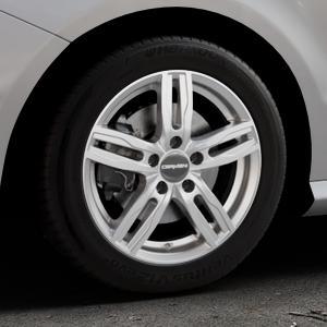 CARMANI 14 Paul kristall silber Felge mit Reifen in 16Zoll Winterfelge Alufelge auf silbernem Mercedes B-Klasse Typ W246 Facelift ⬇️ mit 15mm Tieferlegung ⬇️ Industriehalle 1 Thumbnail