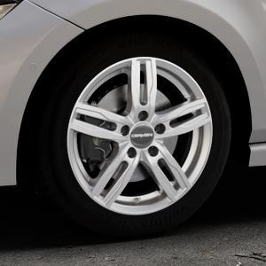 CARMANI 14 Paul kristall silber Felge mit Reifen in 16Zoll Winterfelge Alufelge auf silbernem Volkswagen (VW) Polo VI Typ AW ⬇️ mit 15mm Tieferlegung ⬇️ Industriehalle 1 Thumbnail