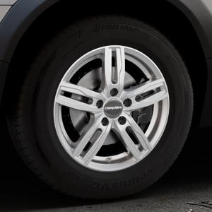 CARMANI 14 Paul kristall silber Felge mit Reifen in 16Zoll Winterfelge Alufelge auf silbernem Volvo XC70 II Typ B ⬇️ mit 15mm Tieferlegung ⬇️ Industriehalle 1 Thumbnail