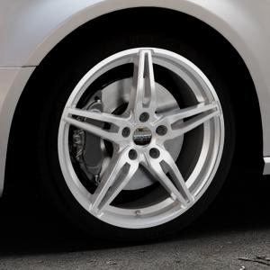 CARMANI 15 Oskar kristall silber Felge mit Reifen in 18Zoll Winterfelge Alufelge auf silbernem Audi A3 Typ 8V (Sportback) ⬇️ mit 15mm Tieferlegung ⬇️ Industriehalle 1 Thumbnail