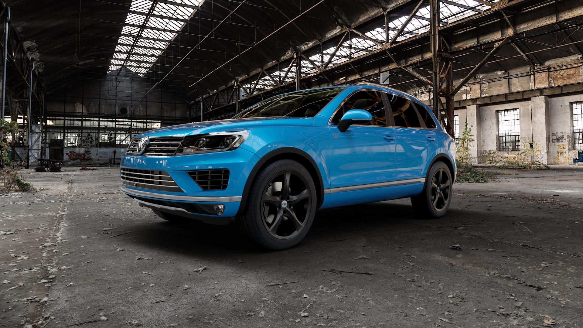 CMS C12 Complete Matt Black Felge mit Reifen schwarz in 20Zoll Winterfelge Alufelge auf hellblau Volkswagen (VW) Touareg II Typ 7P Facelift ⬇️ mit 15mm Tieferlegung ⬇️ Industriehalle 1 Camera_000