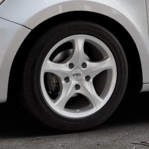 CMS C12 Silver Felge mit Reifen silber in 15Zoll Winterfelge Alufelge auf silbernem Audi A1 Typ 8X (Sportback) ⬇️ mit 15mm Tieferlegung ⬇️ Industriehalle 1 Thumbnail