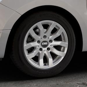 CMS C22 Racing Silver Felge mit Reifen silber in 15Zoll Winterfelge Alufelge auf silbernem Dacia Logan II Typ SD ⬇️ mit 15mm Tieferlegung ⬇️ Industriehalle 1 Thumbnail