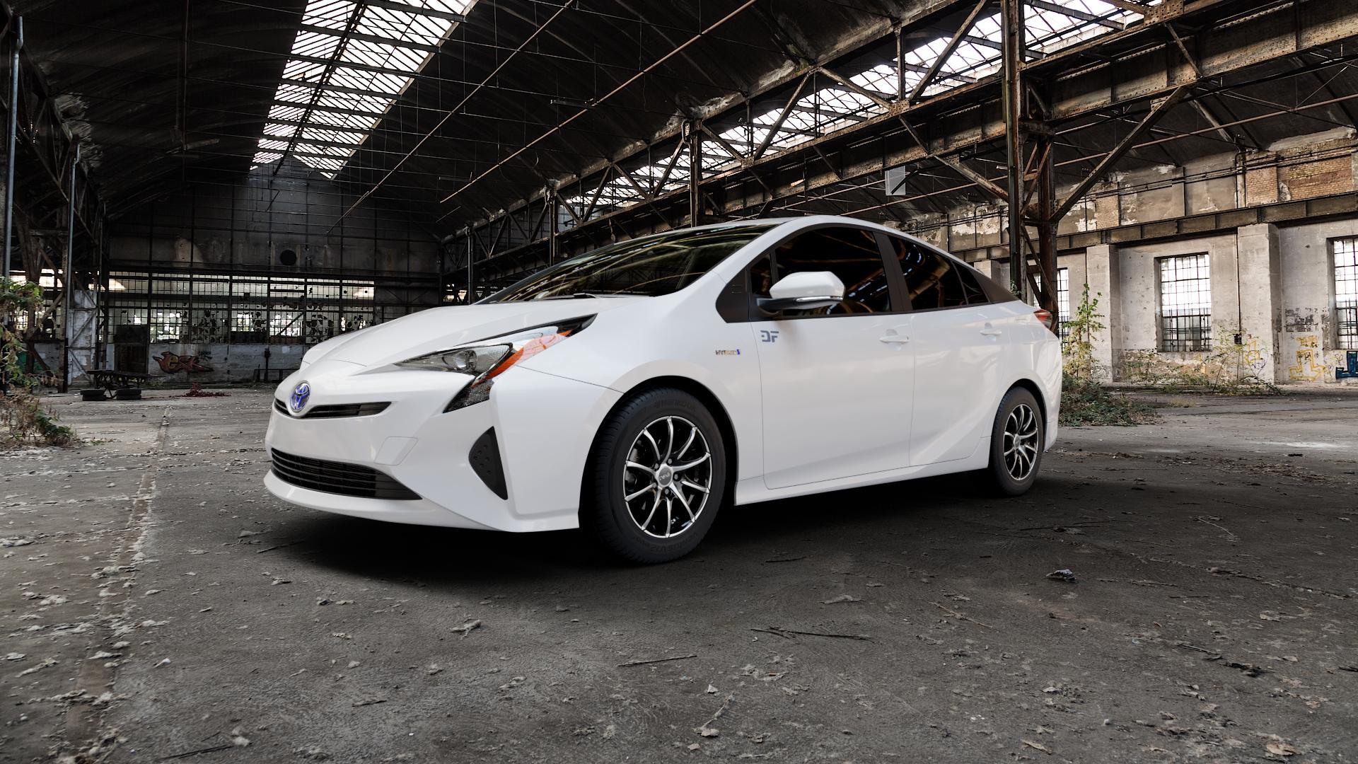 DBV Tropez schwarz glänzend, front poliert Felge mit Reifen silber mehrfarbig in 15Zoll Alufelge auf weissem Toyota Prius IV Typ XW5 ⬇️ mit 15mm Tieferlegung ⬇️ Industriehalle 1 Camera_000