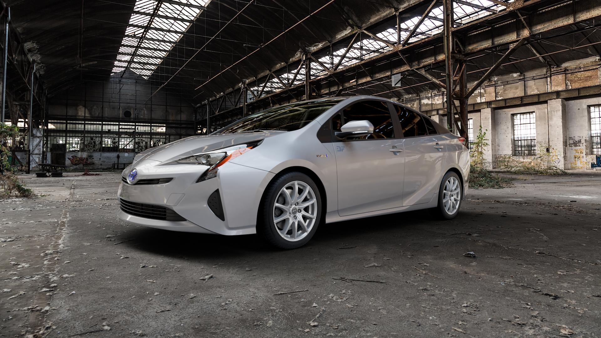 DBV Tropez shadow silber Felge mit Reifen grau in 17Zoll Winterfelge Alufelge auf silbernem Toyota Prius IV Typ XW5 ⬇️ mit 15mm Tieferlegung ⬇️ Industriehalle 1 Camera_000