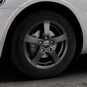 DEZENT RE Black matt Felge mit Reifen schwarz in 15Zoll Winterfelge Alufelge auf silbernem Chrysler PT Cruiser Cabriolet ⬇️ mit 15mm Tieferlegung ⬇️ Industriehalle 1 Thumbnail