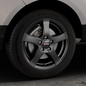 DEZENT RE Black matt Felge mit Reifen schwarz in 16Zoll Winterfelge Alufelge auf silbernem Ford EcoSport Typ JK8 ⬇️ mit 15mm Tieferlegung ⬇️ Industriehalle 1 Thumbnail