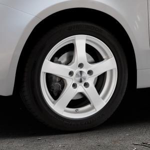 DEZENT RE Silver Felge mit Reifen silber in 15Zoll Winterfelge Alufelge auf silbernem Fiat 500 Typ 312 Cabrio Facelift ⬇️ mit 15mm Tieferlegung ⬇️ Industriehalle 1 Thumbnail