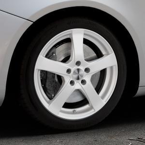 DEZENT RE Silver Felge mit Reifen silber in 17Zoll Winterfelge Alufelge auf silbernem Alfa Romeo Giulietta Typ 940 ⬇️ mit 15mm Tieferlegung ⬇️ Industriehalle 1 Thumbnail