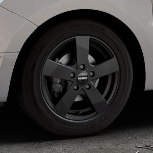 DEZENT TD Black matt Felge mit Reifen schwarz in 15Zoll Winterfelge Alufelge auf silbernem Dacia Logan II Typ SD ⬇️ mit 15mm Tieferlegung ⬇️ Industriehalle 1 Thumbnail