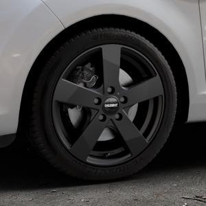 DEZENT TD Black matt Felge mit Reifen schwarz in 16Zoll Winterfelge Alufelge auf silbernem Ford Fiesta VI Typ JA8 Facelift ⬇️ mit 15mm Tieferlegung ⬇️ Industriehalle 1 Thumbnail