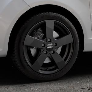 DEZENT TD Black matt Felge mit Reifen schwarz in 16Zoll Winterfelge Alufelge auf silbernem Ford Fiesta VI Typ JA8 ⬇️ mit 15mm Tieferlegung ⬇️ Industriehalle 1 Thumbnail