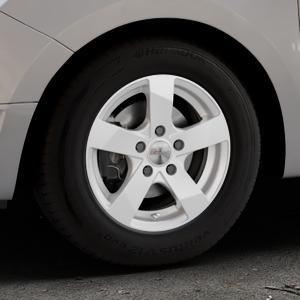 DEZENT TD Silver Felge mit Reifen silber in 14Zoll Winterfelge Alufelge auf silbernem Dacia Logan II Typ SD ⬇️ mit 15mm Tieferlegung ⬇️ Industriehalle 1 Thumbnail