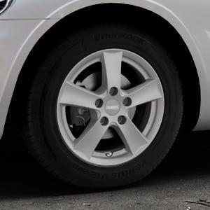 DEZENT TX Graphite matt Felge mit Reifen grau in 15Zoll Winterfelge Alufelge auf silbernem Chrysler PT Cruiser Cabriolet ⬇️ mit 15mm Tieferlegung ⬇️ Industriehalle 1 Thumbnail