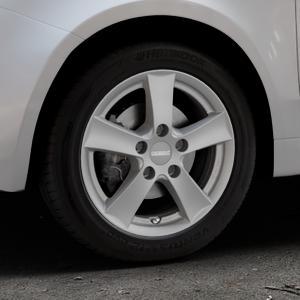 DEZENT TX Graphite matt Felge mit Reifen grau in 15Zoll Winterfelge Alufelge auf silbernem Fiat 500 Typ 312 Cabrio Facelift ⬇️ mit 15mm Tieferlegung ⬇️ Industriehalle 1 Thumbnail