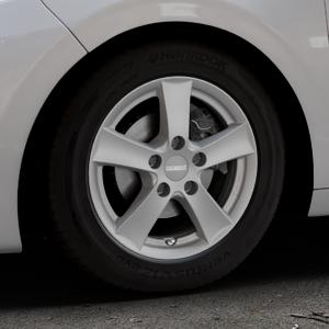 DEZENT TX Graphite matt Felge mit Reifen grau in 15Zoll Winterfelge Alufelge auf silbernem Peugeot 208 Typ C ⬇️ mit 15mm Tieferlegung ⬇️ Industriehalle 1 Thumbnail