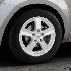 DEZENT TX Silver Felge mit Reifen silber in 15Zoll Winterfelge Alufelge auf silbernem Alfa Romeo Mito Typ 955 ⬇️ mit 15mm Tieferlegung ⬇️ Industriehalle 1 Thumbnail