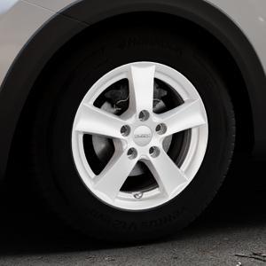 DEZENT TX Silver Felge mit Reifen silber in 15Zoll Winterfelge Alufelge auf silbernem Kia Stonic Typ YB ⬇️ mit 15mm Tieferlegung ⬇️ Industriehalle 1 Thumbnail