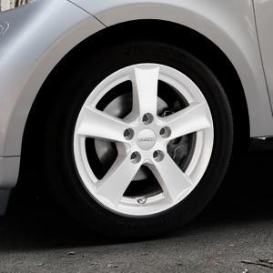 DEZENT TX Silver Felge mit Reifen silber in 15Zoll Winterfelge Alufelge auf silbernem Smart Forfour II (453) ⬇️ mit 15mm Tieferlegung ⬇️ Industriehalle 1 Thumbnail