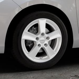 DEZENT TX Silver Felge mit Reifen silber in 15Zoll Winterfelge Alufelge auf silbernem Toyota Yaris III Typ XP13 Facelift 17-> ⬇️ mit 15mm Tieferlegung ⬇️ Industriehalle 1 Thumbnail