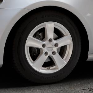 DEZENT TX Silver Felge mit Reifen silber in 15Zoll Winterfelge Alufelge auf silbernem Volkswagen (VW) Golf 7 ⬇️ mit 15mm Tieferlegung ⬇️ Industriehalle 1 Thumbnail