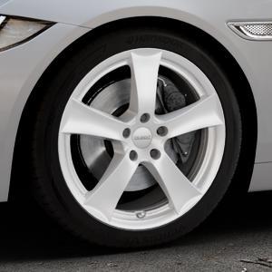 DEZENT TX Silver Felge mit Reifen silber in 18Zoll Winterfelge Alufelge auf silbernem Jaguar XE Typ JA ⬇️ mit 15mm Tieferlegung ⬇️ Industriehalle 1 Thumbnail